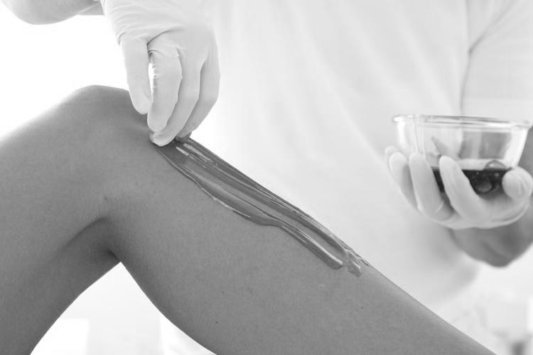 Sugaring is non-toxic, even the people who are allergic to wax usually have no problem with sugaring.